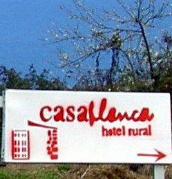 Indicators to Hotel Casa Blanca opposite Haciend La Pared
