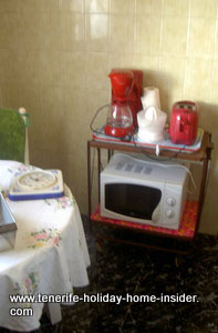 Kitchen appliances Micro wave oven and more