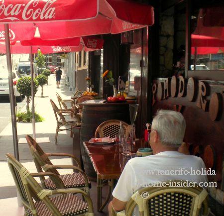 La Longuera with street snack corner