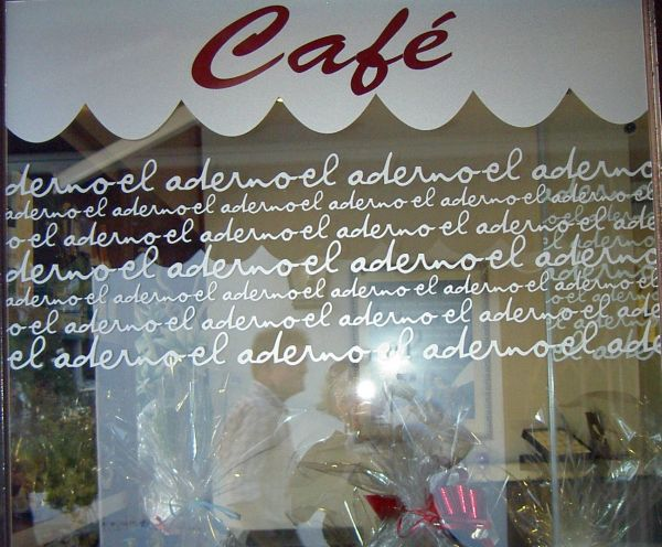 La Paz cafe in Puerto de la Cruz by El Aderno.