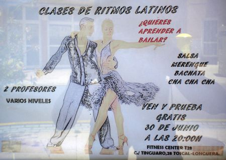 Learn Latin dancing at Calle Tinguaro 28 at La Barca Center of Toscal