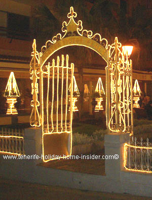 Led Christmas lights on wrought iron gate300