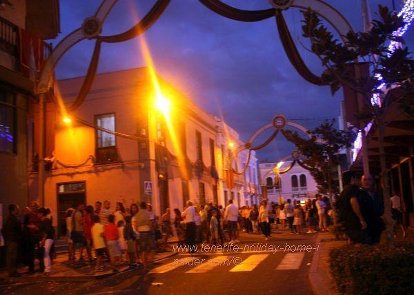 Los Realejos night events, such as during its famous fireworks like Fiesta de la Cruz, Fiesta del Carmen or its carnivals
