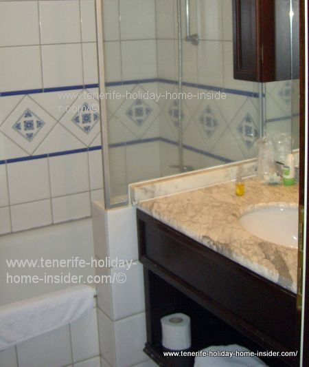 Marble top hotel wash basin
