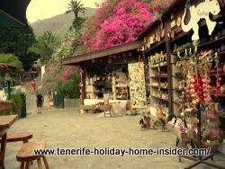 Masca cafe and shop for souvenirs, cakes and drinks