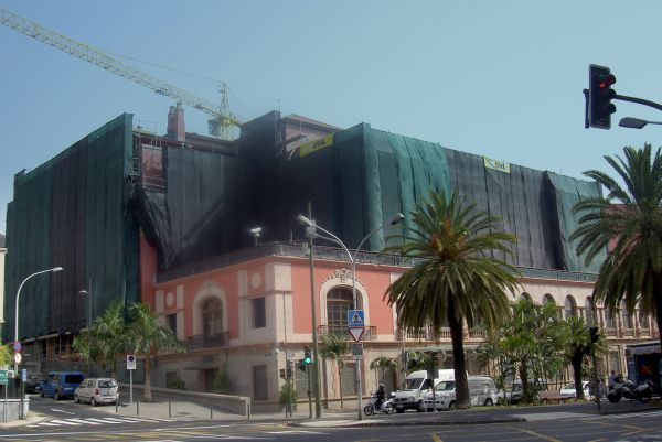 Mencey Hotel Iberostar during total revamping in 2010.