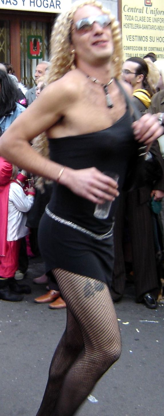 Moaner of Carnival with a glass of gin.