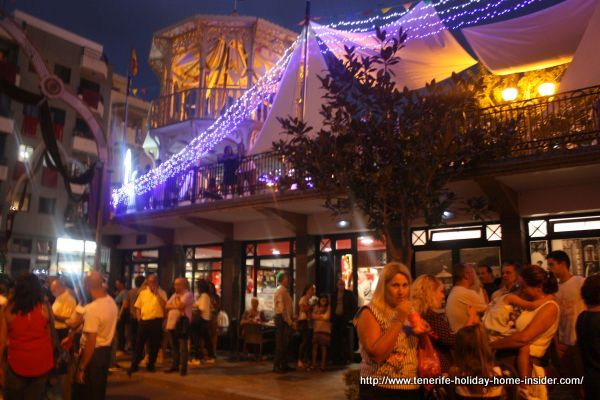 Nightlife Los Realejos such as on the night of the election of Miss World on Plaza San Agustin.
