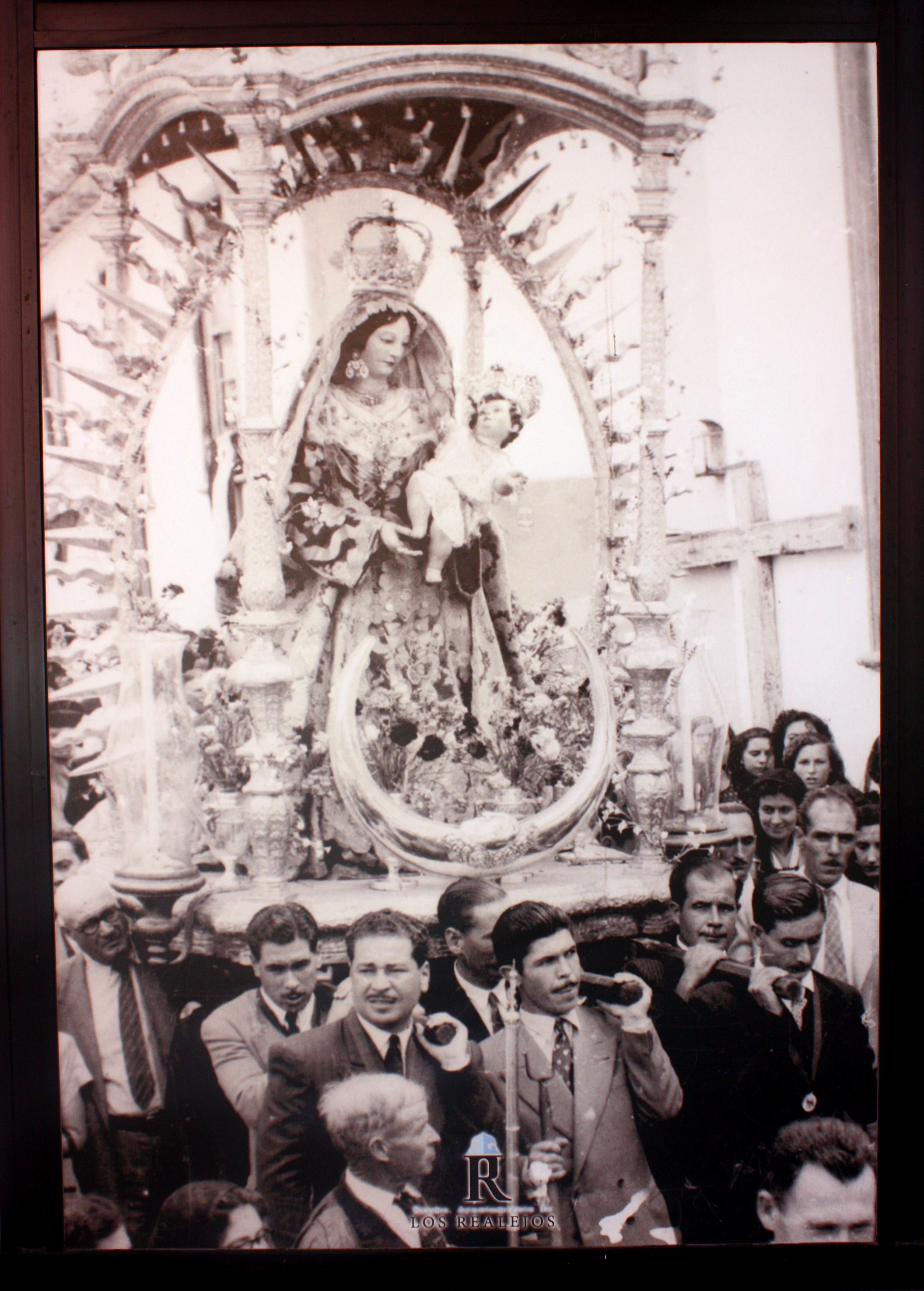 Puerto de la Cruz Marinos always carry the statue on Dia del Carmen of Los Realejos which is also known as day of the Octava
