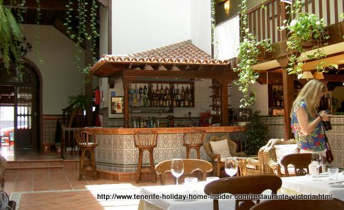 Patio restaurant Victoria of Hotel Rural Victoria of Canary Island architecture. Mind that 60 people can be accommodated for lunch or dinner which often happens during events.