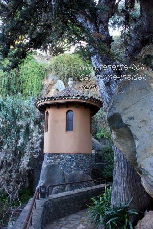 Picturesque tower at Parque Los Lavaderos