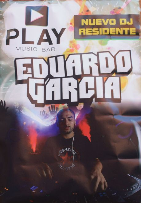 Play Music Bar Eduardo Garcia next to calle Blanco, 12.