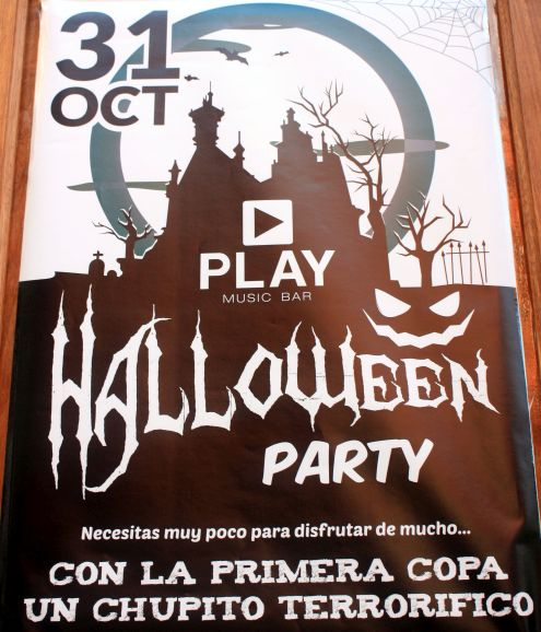 Play Music bar for Halloween party on October 31 beside Blanco Bar Calle Blanco 12 Puerto de la Cruz