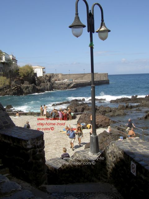 Playa de San Telmo with wall of Tenerife history.