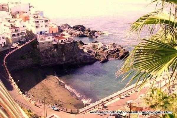 Playa Puerto Santiago town beach