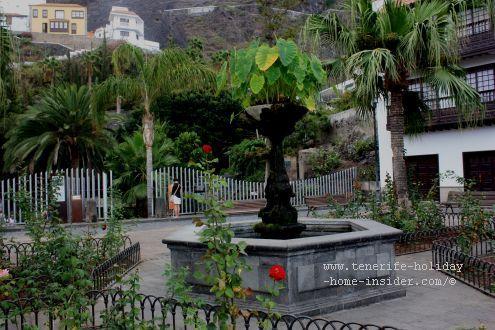 Plaza Juan Gonzalez de la Torre above the Puerta de Tierra from where it's about 150 m on foot to the ex-harbor sea-shore