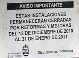 Los Silos Pool renovation warning notice January 2011