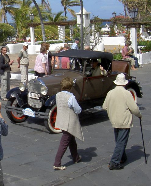 Rally with classic Fords during Puerto de la Cruz carnival.