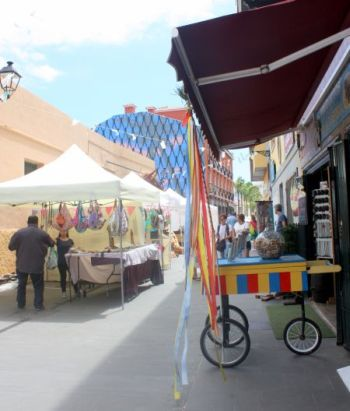 Ranilla craft stalls in the old quarters of Puerto Cruz Tenerife during the public holiday of the Canary archipelago.