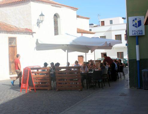 Restaurante Ferretria Los Silos behind Iglesia de la Luz opposite the Ex-Convent San Sebastian.