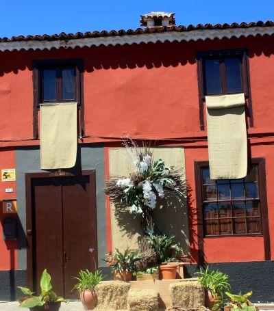 Restaurante Pimienta Negra for gourmet cuisine at street C/Ismael Dominguez,153