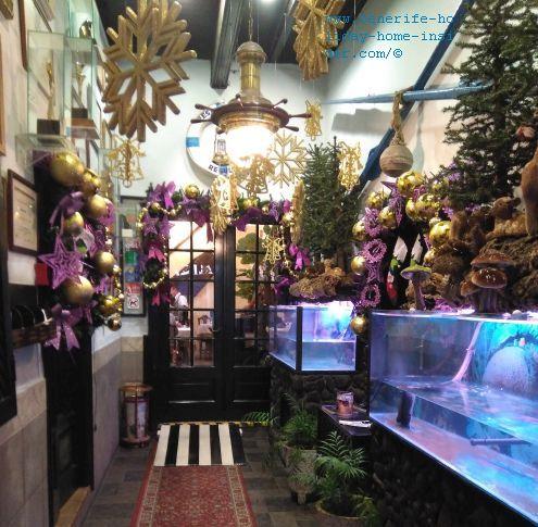 Restaurante Regulo entrance Christmas decoration in 2018-2019