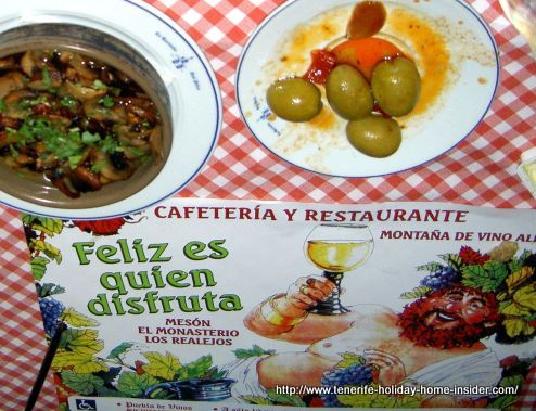 Restaurante San Pedro with some Tapas starters on a welcoming paper place mat.