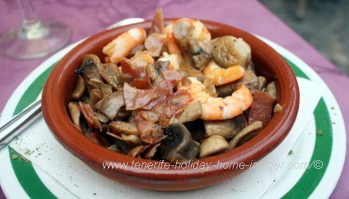 Revuelto Teide Atlante seafood stir-fry by Arcon Restaurant.