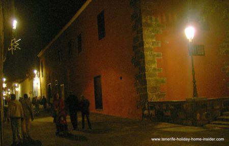 Romantic holidays with street in La Laguna