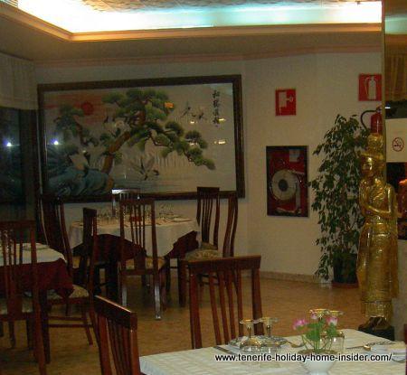 Ruen Thai interior