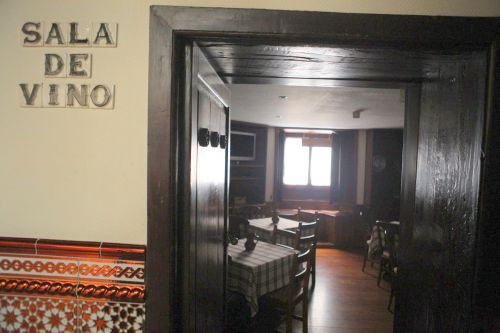 Sala de Vino for group event lunches or dinners at Hotel Rural Victoria of la Orotava.