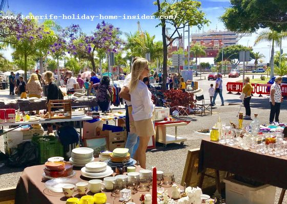 Santa Cruz Rastro of Sunday Markets beside the municipal shopping center Recova for produce and the like
