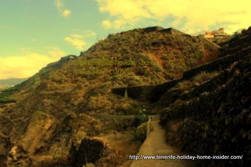 Click photo to go to the Rambla de Castro tracks of Cape Punta Pejes Reyes and Sendero del Burgao or Burgado...