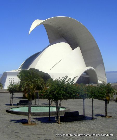 Spanish architecture of tenerife auditorium by Calatrava-Note the roof