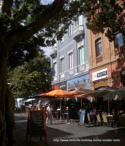 Street Antonio Dominguez Alfonso opposite Restaurante Lagar de Noria