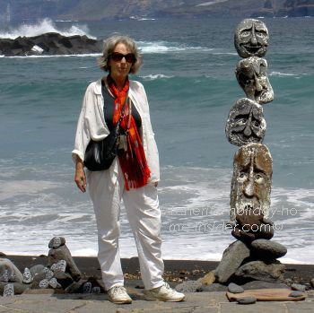 Street art of Tenerife made of stones by the Martianez beach.