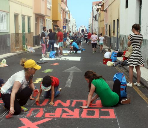 Strong community spirit during Corpus Christi at the Brave Cape suburb of Puerto de la Cruz.