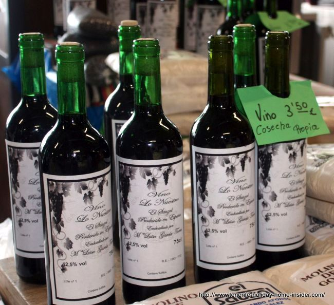 Tacoronte Acentejo wines sold at Farmers'Market of El Sauzal.