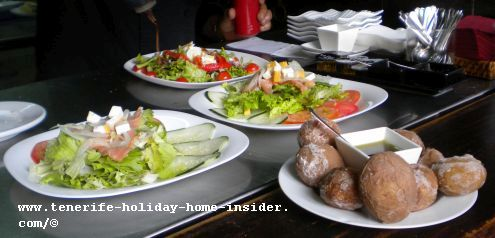Tasca Casa Lercaro salads at El Cotilleo