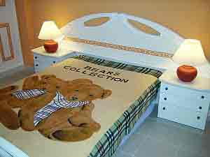 Teddy bed bear motive bed cover