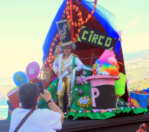 Tenerife carnival news of a Circo Circus in 2017 in Puerto de la Cruz, as theme, spectacle and a charming float.