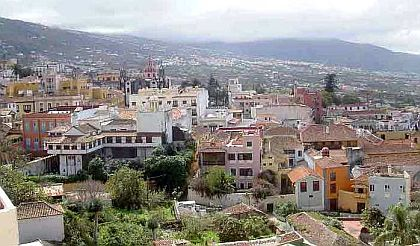 Azoteas, Spanish shindels, perhaps penthouses in La Orotava.