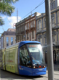 A Tenerife tram a Tranvia just before Plaza Wheyler.