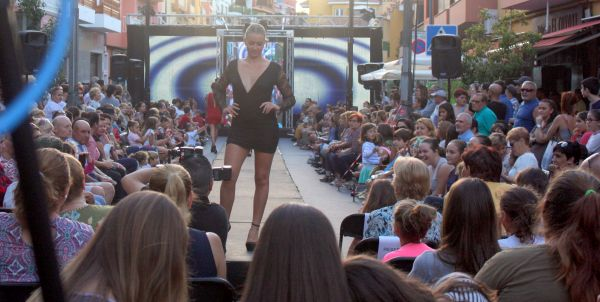 The little black dress of Toscal fashion of Los Realejos Tenerife Spain of 2016.