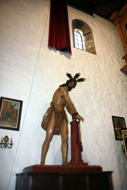 The Lord tied to a column in the church of birth place of Viera y Clavijo.