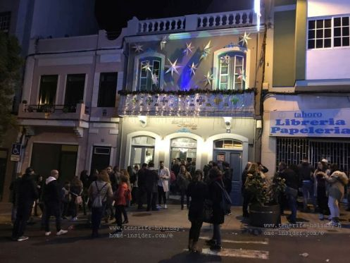 Vintage bar Cafe Fariña Orotava a huge success by Christmas 2018/2019. Then enormous crowds filled its premises, while many had to wait outside without any event taking place inside at the time