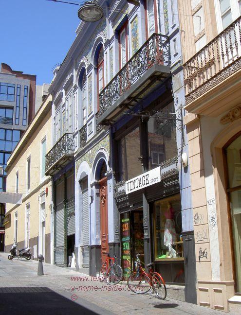 Vintage Store 13 in Calle Nicolás Estévanez,8 that got the ball rolling for the Clavel market of downtown Santa Cruz.