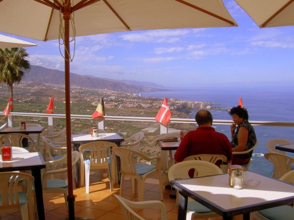 Vista Paraiso Cafe meaning Paradise country, Teide and sea views cafe of Cuesta de la Vila.