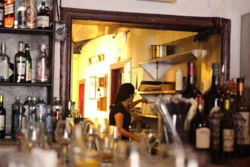Well stocked bar of Santa Cruz Vintage restaurant.