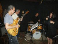 Annna Rodriguez jazzsinger and band Three